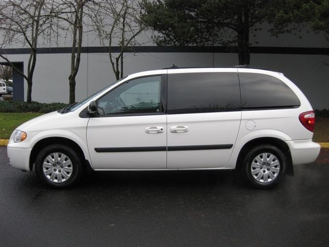 2005 Chrysler Town Country Minivan 2 Sliding Doors Excel Cond Photo