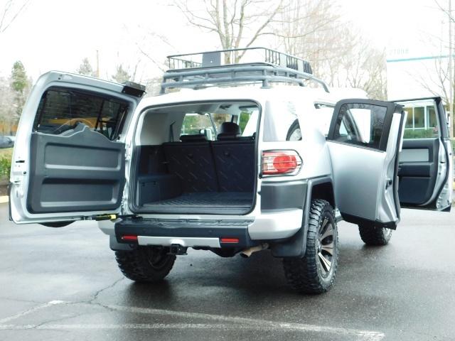 2007 Toyota FJ Cruiser 4X4 / V6 4.0L / DIFF LOCK / 81K MILES / LIFTED !! - Photo 36 - Portland, OR 97217