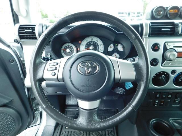 2007 Toyota FJ Cruiser 4X4 / V6 4.0L / DIFF LOCK / 81K MILES / LIFTED !! - Photo 28 - Portland, OR 97217