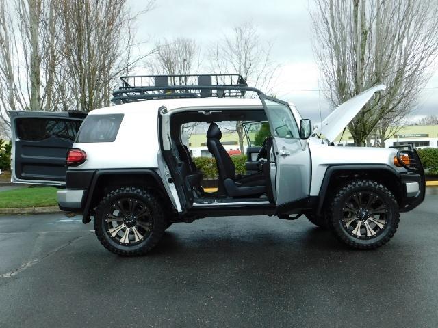 2007 Toyota FJ Cruiser 4X4 / V6 4.0L / DIFF LOCK / 81K MILES / LIFTED !! - Photo 22 - Portland, OR 97217