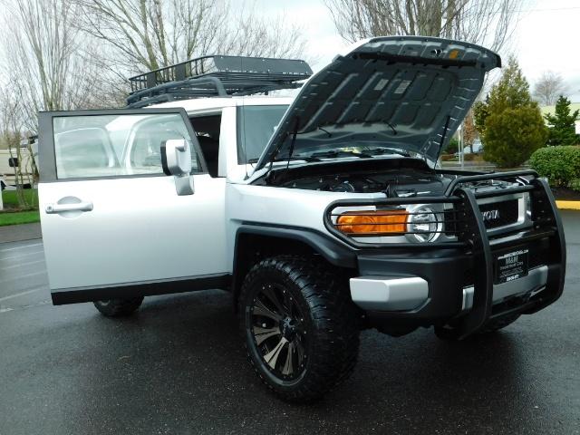 2007 Toyota FJ Cruiser 4X4 / V6 4.0L / DIFF LOCK / 81K MILES / LIFTED !! - Photo 37 - Portland, OR 97217