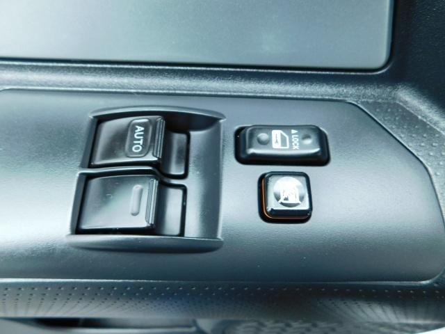 2007 Toyota FJ Cruiser 4X4 / V6 4.0L / DIFF LOCK / 81K MILES / LIFTED !! - Photo 30 - Portland, OR 97217