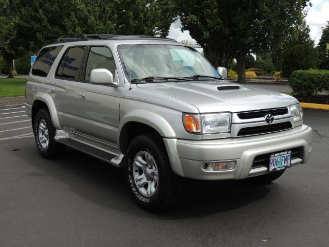 Delightful 2001 Toyota 4Runner SPORT Edition / 4WD / DIFF LOCK / HOOD SCOOP   Photo 2