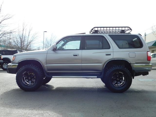 2002 Toyota 4Runner SR5 Sport Utility 4WD / 1-OWNER/ Low Miles/ LIFTED - Photo 3 - Portland, OR 97217