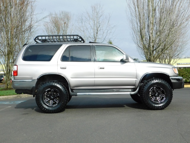2002 Toyota 4Runner SR5 Sport Utility 4WD / 1-OWNER/ Low Miles/ LIFTED - Photo 4 - Portland, OR 97217