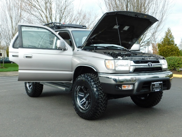 2002 Toyota 4Runner SR5 Sport Utility 4WD / 1-OWNER/ Low Miles/ LIFTED - Photo 32 - Portland, OR 97217