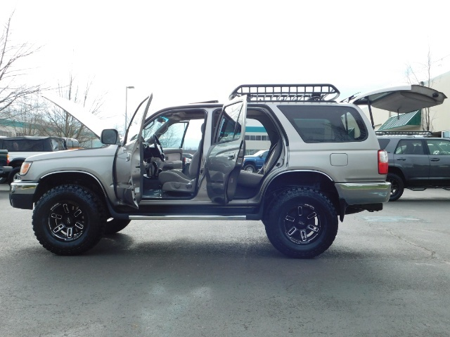 2002 Toyota 4Runner SR5 Sport Utility 4WD / 1-OWNER/ Low Miles/ LIFTED - Photo 27 - Portland, OR 97217