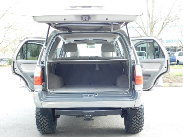 2002 Toyota 4Runner SR5 Sport Utility 4WD / 1-OWNER/ Low Miles/ LIFTED - Photo 29 - Portland, OR 97217