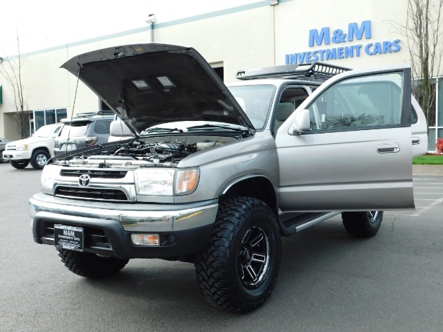 2002 Toyota 4Runner SR5 Sport Utility 4WD / 1-OWNER/ Low Miles/ LIFTED - Photo 25 - Portland, OR 97217