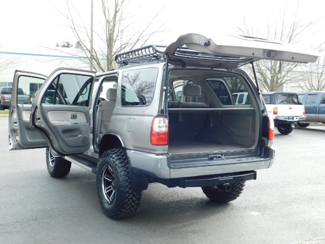 2002 Toyota 4Runner SR5 Sport Utility 4WD / 1-OWNER/ Low Miles/ LIFTED - Photo 28 - Portland, OR 97217