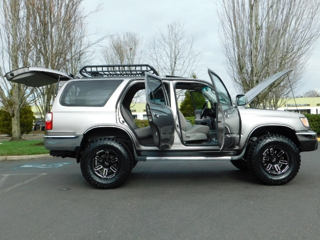 2002 Toyota 4Runner SR5 Sport Utility 4WD / 1-OWNER/ Low Miles/ LIFTED - Photo 31 - Portland, OR 97217