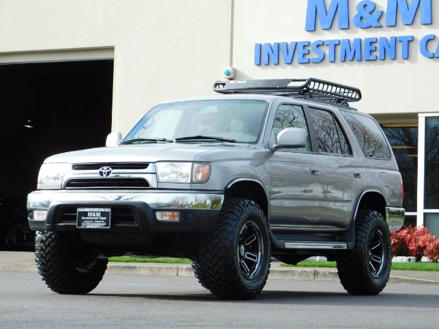 2002 Toyota 4Runner SR5 Sport Utility 4WD / 1-OWNER/ Low Miles/ LIFTED - Photo 1 - Portland, OR 97217