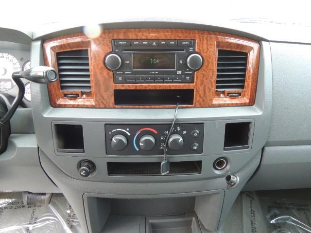 2006 Dodge Ram 2500 SLT / 4x4 / 5.9L Cummins Diesel / High Output - Photo 18 - Portland, OR 97217