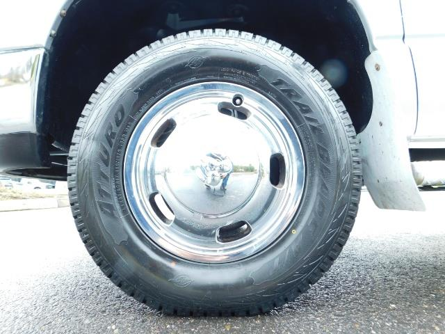 2005 Dodge Ram 3500 Laramie / 4X4 / 5.9L DIESEL / 105K Mi/ 6-Speed DRW - Photo 23 - Portland, OR 97217