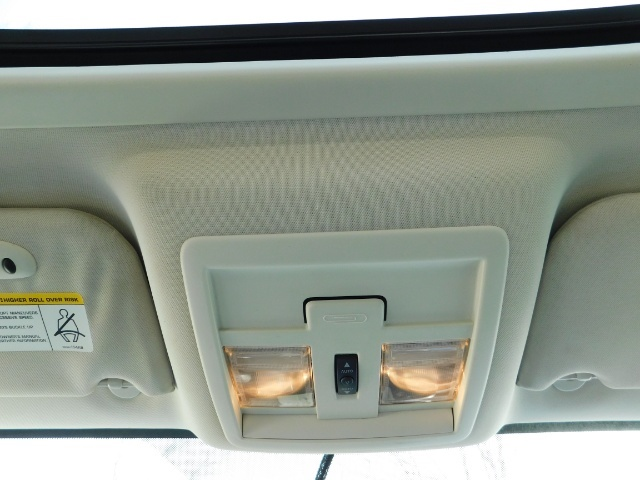 2007 Dodge Nitro SLT SPORT SUV / 4X4 / V6 3.4L / SUN ROOF - Photo 34 - Portland, OR 97217