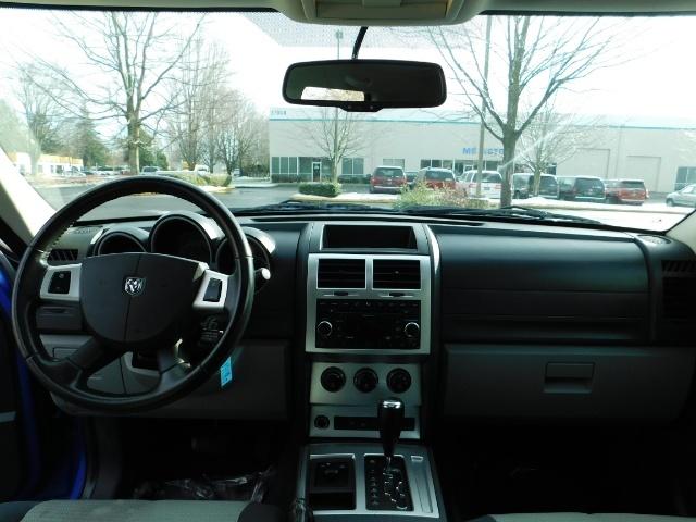 2007 Dodge Nitro SLT SPORT SUV / 4X4 / V6 3.4L / SUN ROOF - Photo 33 - Portland, OR 97217