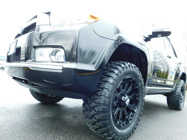 """2011 Toyota 4Runner V6 / 4X4 / LEATHER / CAMERA / 20 """" XD RIMS / LIFTED - Photo 9 - Portland, OR 97217"""
