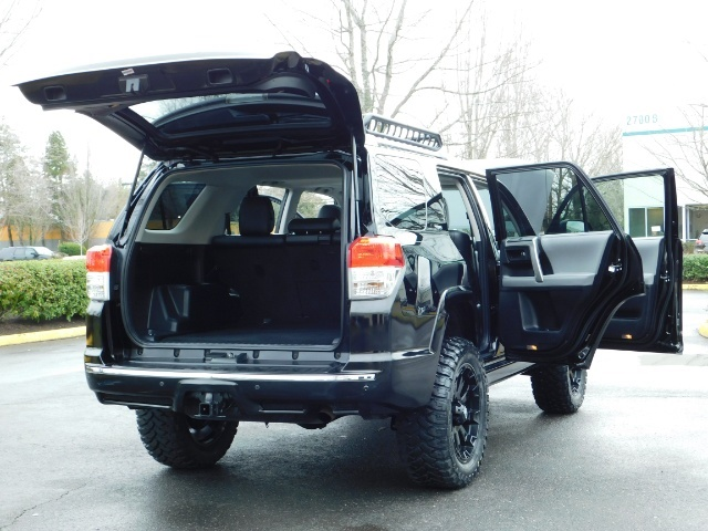 """2011 Toyota 4Runner V6 / 4X4 / LEATHER / CAMERA / 20 """" XD RIMS / LIFTED - Photo 27 - Portland, OR 97217"""
