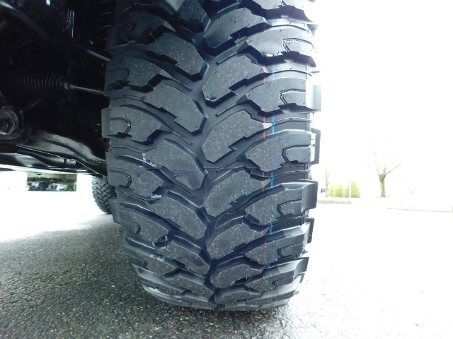 """2011 Toyota 4Runner V6 / 4X4 / LEATHER / CAMERA / 20 """" XD RIMS / LIFTED - Photo 24 - Portland, OR 97217"""