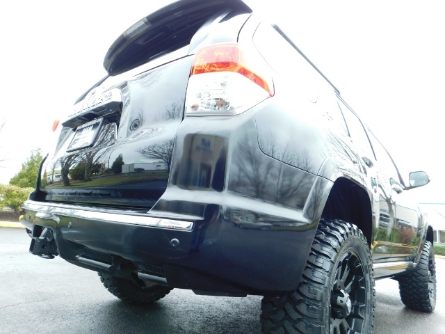 """2011 Toyota 4Runner V6 / 4X4 / LEATHER / CAMERA / 20 """" XD RIMS / LIFTED - Photo 11 - Portland, OR 97217"""