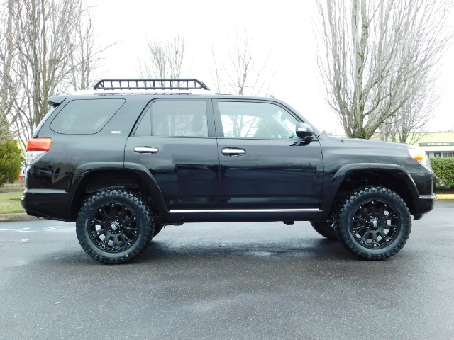 """2011 Toyota 4Runner V6 / 4X4 / LEATHER / CAMERA / 20 """" XD RIMS / LIFTED - Photo 4 - Portland, OR 97217"""