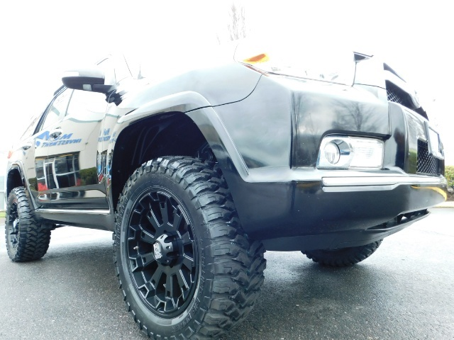 """2011 Toyota 4Runner V6 / 4X4 / LEATHER / CAMERA / 20 """" XD RIMS / LIFTED - Photo 12 - Portland, OR 97217"""