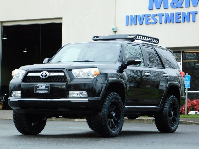 """2011 Toyota 4Runner V6 / 4X4 / LEATHER / CAMERA / 20 """" XD RIMS / LIFTED - Photo 1 - Portland, OR 97217"""