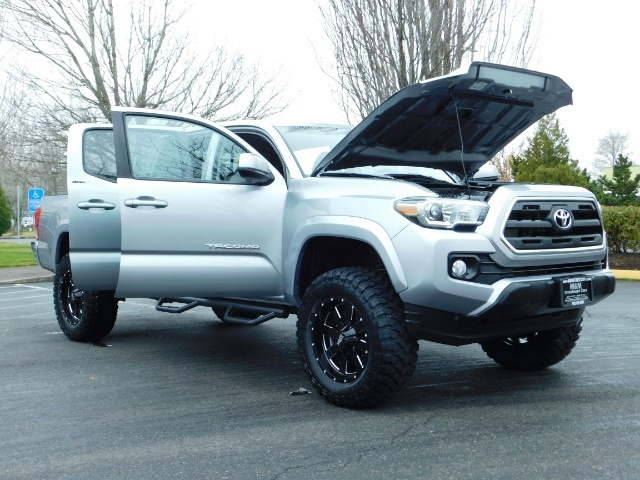 2016 Toyota Tacoma SR5 V6 / 4X4 / Backup camera / LONG BED / LIFTED - Photo 31 - Portland, OR 97217