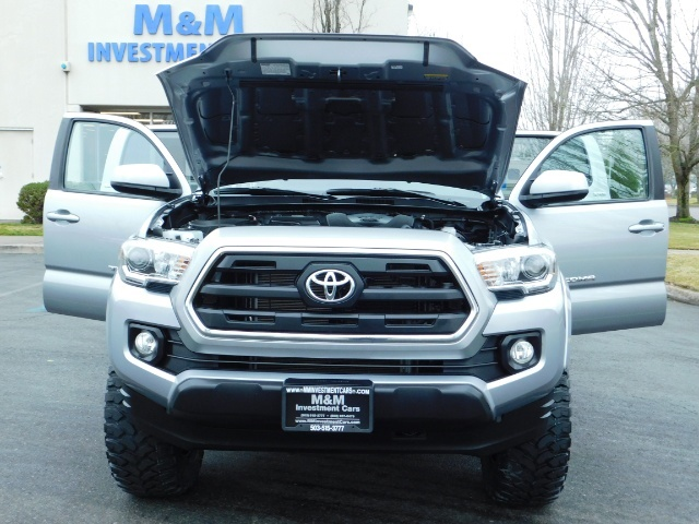 2016 Toyota Tacoma SR5 V6 / 4X4 / Backup camera / LONG BED / LIFTED - Photo 32 - Portland, OR 97217