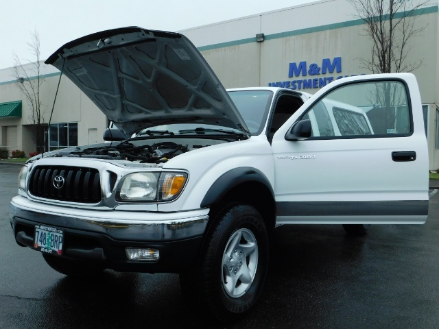 2004 Toyota Tacoma 4X4 Xtracab / Matching Canopy / 1-OWNER - Photo 25 - Portland, OR 97217
