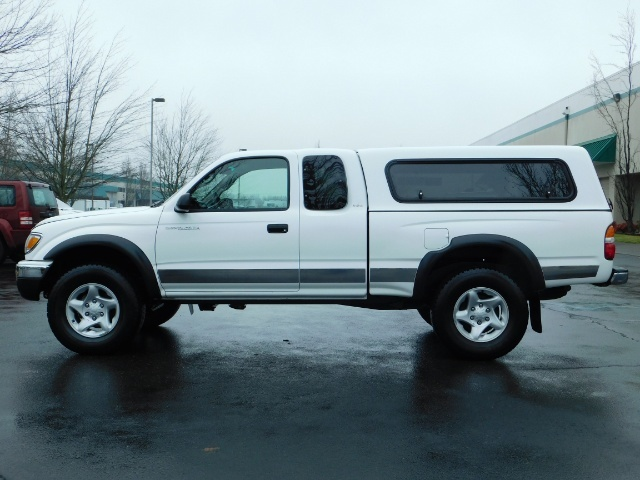 2004 Toyota Tacoma 4X4 Xtracab / Matching Canopy / 1-OWNER - Photo 3 - Portland, OR 97217