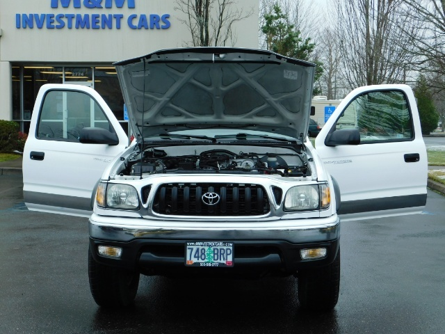 2004 Toyota Tacoma 4X4 Xtracab / Matching Canopy / 1-OWNER - Photo 30 - Portland, OR 97217