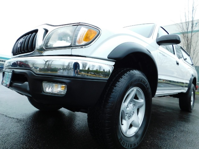 2004 Toyota Tacoma 4X4 Xtracab / Matching Canopy / 1-OWNER - Photo 9 - Portland, OR 97217