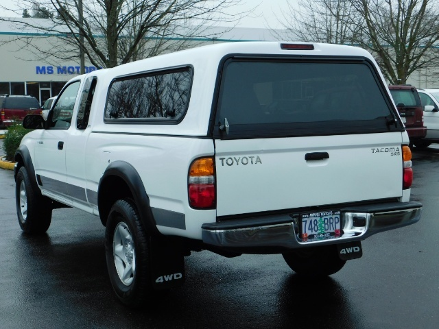 2004 Toyota Tacoma 4X4 Xtracab / Matching Canopy / 1-OWNER - Photo 7 - Portland, OR 97217