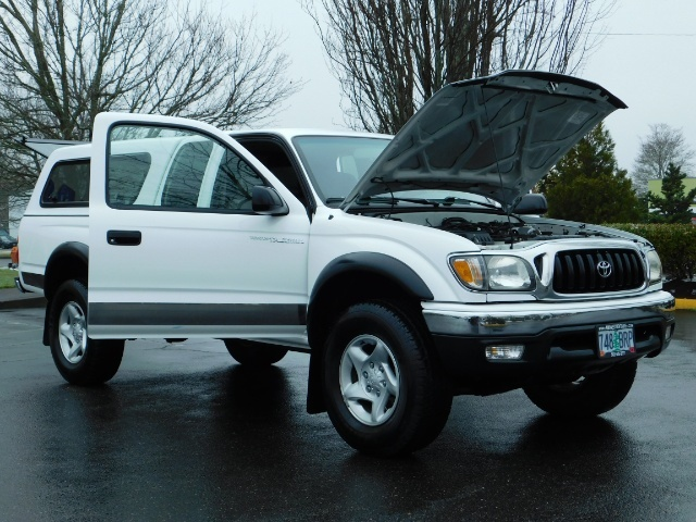 2004 Toyota Tacoma 4X4 Xtracab / Matching Canopy / 1-OWNER - Photo 29 - Portland, OR 97217