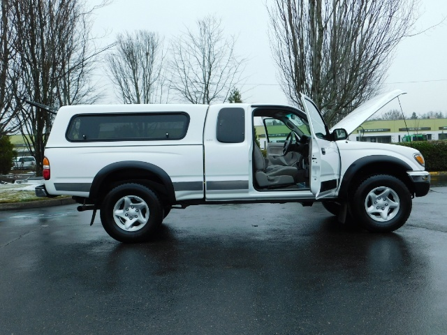 2004 Toyota Tacoma 4X4 Xtracab / Matching Canopy / 1-OWNER - Photo 24 - Portland, OR 97217