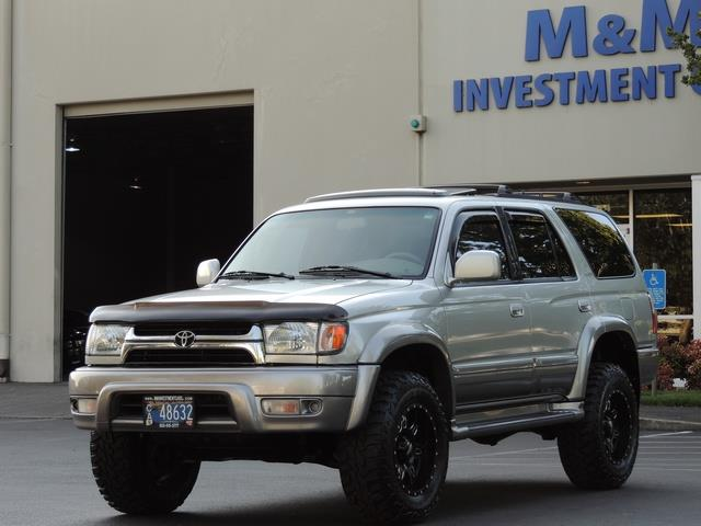 Wonderful 2001 Toyota 4Runner Limited / V6 3.4L / Leather / Sunroof / Lifted   Photo