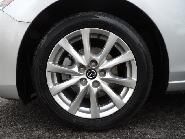 2016 Mazda Mazda6 i Sport / Sedan / Backup Camera / New Tires - Photo 23 - Portland, OR 97217