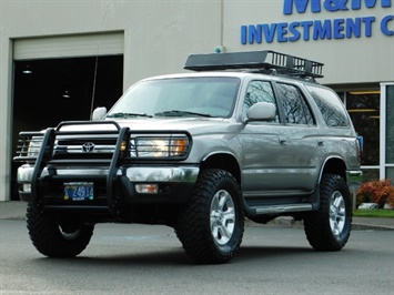 2002 Toyota 4Runner 4X4 / V6 3.4L / DIFF LOCK / 1-OWNER / LIFTED !!