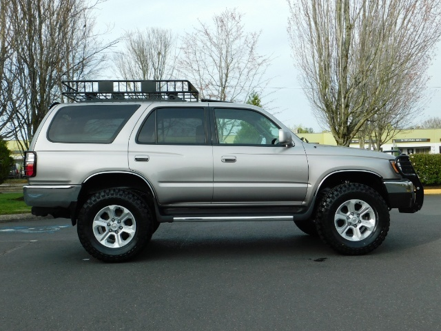 2002 Toyota 4Runner 4X4 / V6 3.4L / DIFF LOCK / 1-OWNER / LIFTED !! - Photo 4 - Portland, OR 97217