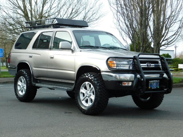 2002 Toyota 4Runner 4X4 / V6 3.4L / DIFF LOCK / 1-OWNER / LIFTED !! - Photo 2 - Portland, OR 97217
