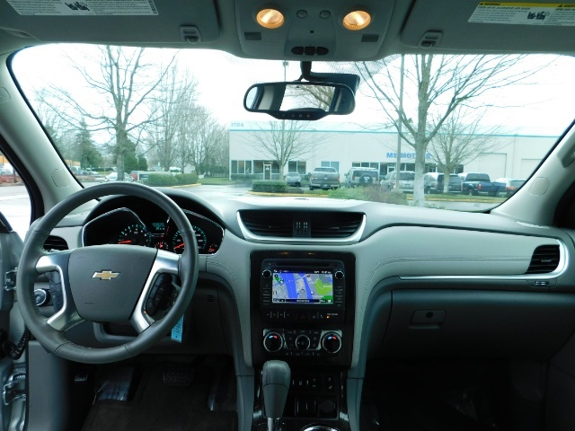 2017 Chevrolet Traverse Premier / Sport Utility / AWD / 3RD SEAT / Navi - Photo 36 - Portland, OR 97217