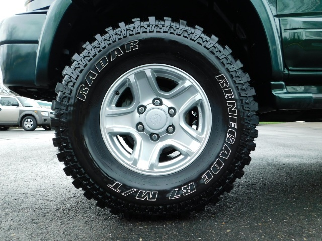 1999 Toyota 4Runner Limited 4X4 / Leather / Sunroof / LIFTED LIFTED - Photo 23 - Portland, OR 97217