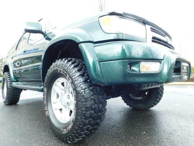 1999 Toyota 4Runner Limited 4X4 / Leather / Sunroof / LIFTED LIFTED - Photo 10 - Portland, OR 97217
