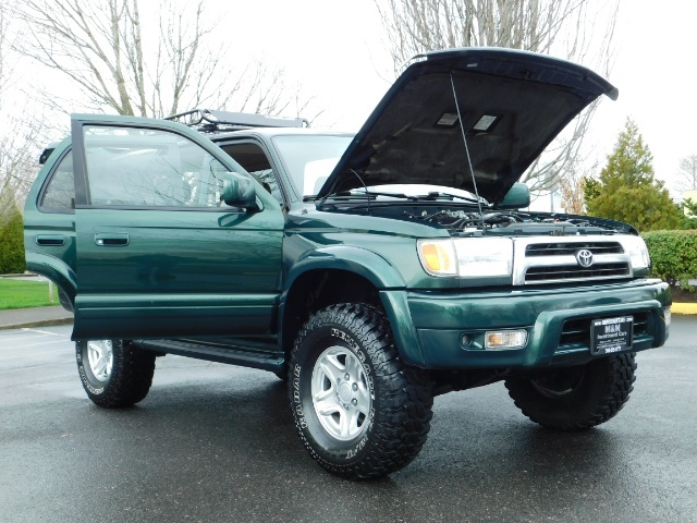 1999 Toyota 4Runner Limited 4X4 / Leather / Sunroof / LIFTED LIFTED - Photo 33 - Portland, OR 97217