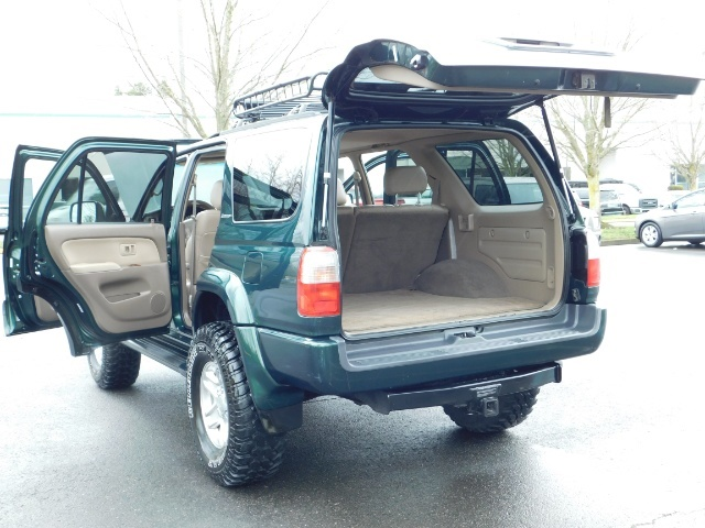 1999 Toyota 4Runner Limited 4X4 / Leather / Sunroof / LIFTED LIFTED - Photo 27 - Portland, OR 97217