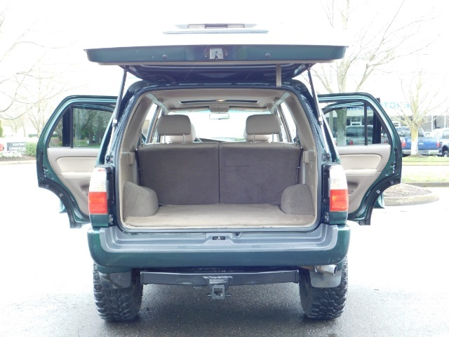 1999 Toyota 4Runner Limited 4X4 / Leather / Sunroof / LIFTED LIFTED - Photo 28 - Portland, OR 97217