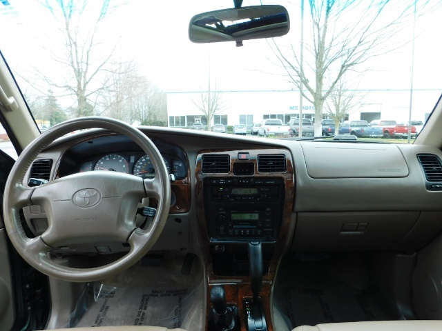 1999 Toyota 4Runner Limited 4X4 / Leather / Sunroof / LIFTED LIFTED - Photo 37 - Portland, OR 97217