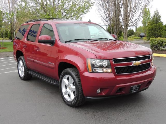 2007 Chevrolet Tahoe LTZ / 4WD / Leather / Captain Chairs / Excel Cond    Photo