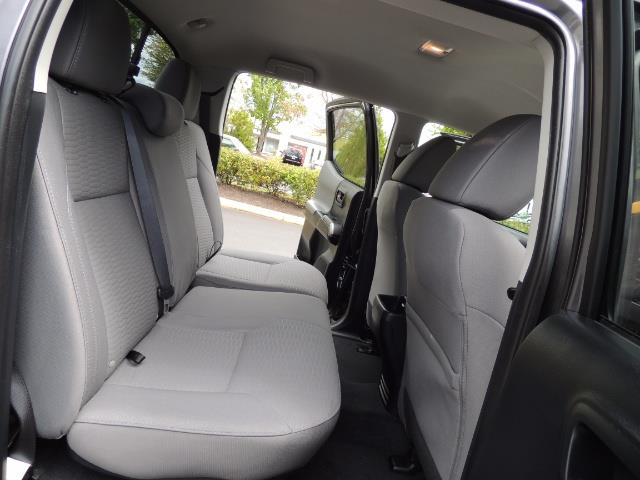 2017 Toyota Tacoma SR5 V6 / 4x4 / Double cab / Backup / LIFTED LIFTED - Photo 16 - Portland, OR 97217